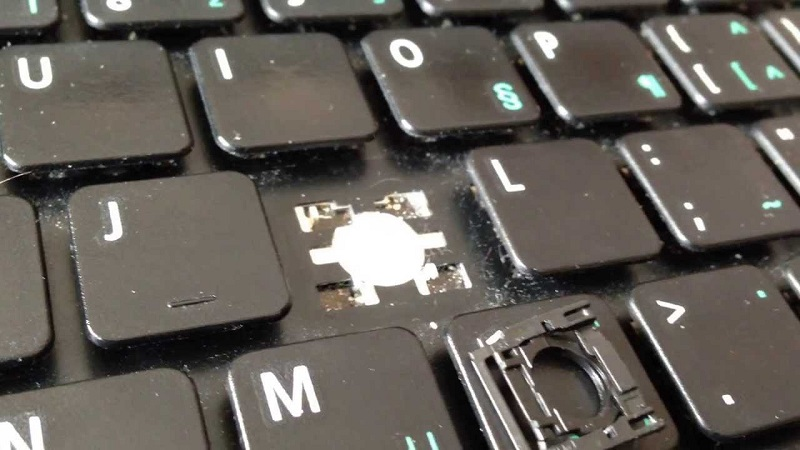 How-to-Clean-Laptop-Keyboard