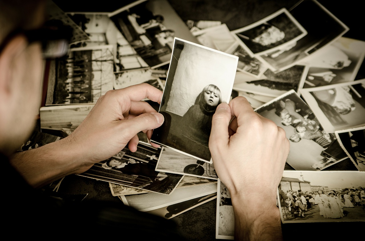 How-to-scan-and-archive-your-old-printed-photos